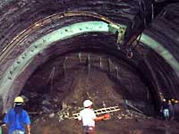 Tunnel in Ecuador with Bracing